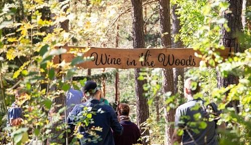wine in the woods äitienpäivälahjaksi