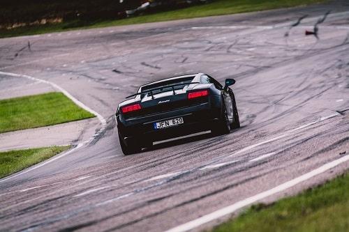 Lamborghini-ajoelämys